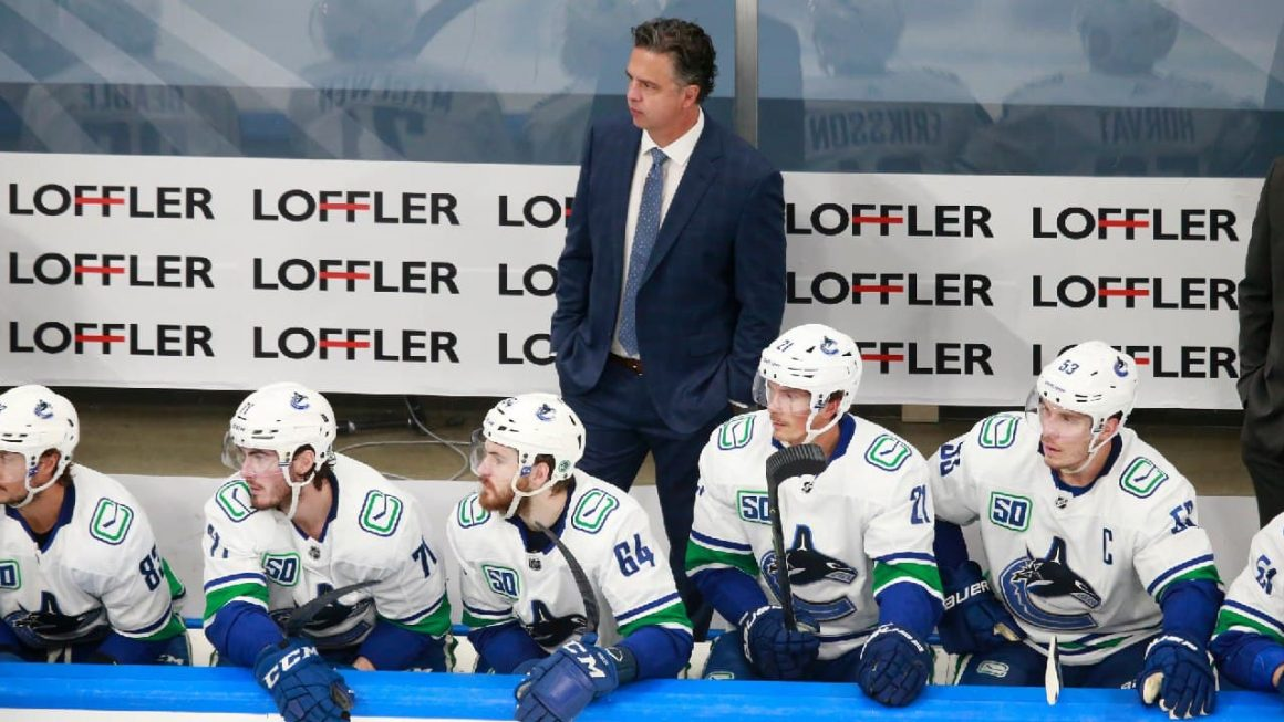 Canucks' Travis Green showing maturity behind Vancouver bench yet 'always learning'