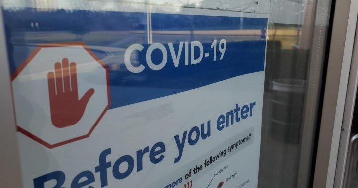 Unvaccinated students will follow stricter COVID-19 outbreak rules, Ontario's top doctor says