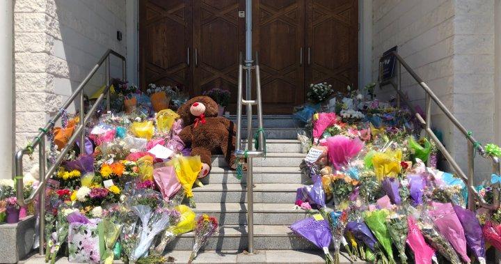 London, Ont. attack: Cards, gifts, prayers, gatherings cap tragic week – London